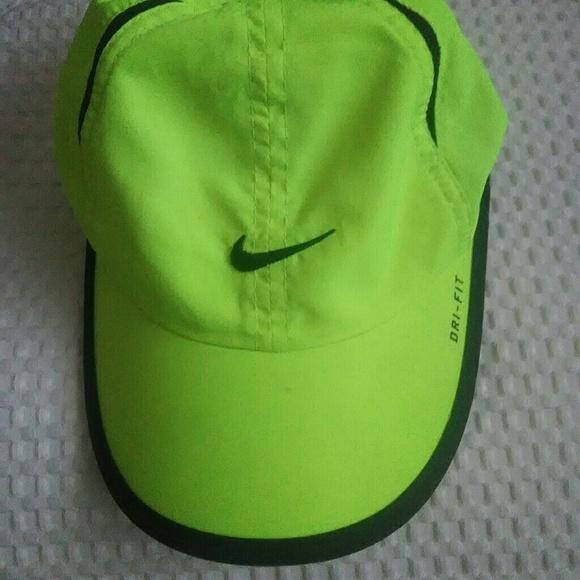 d3eede545b2 Nike dri fit hat. M 5b95ed01f63eea0fb32094a2